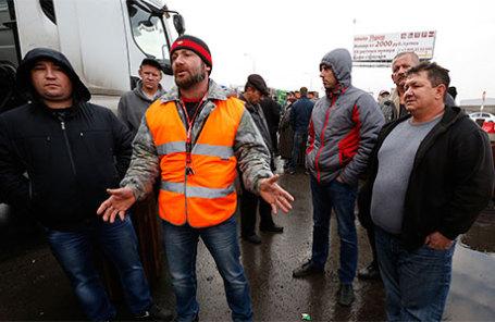 Во время массовой акции протеста дальнобойщиков в связи с введением покилометровой оплаты проезда с 15 ноября для транспортных средств массой свыше 12 тонн.