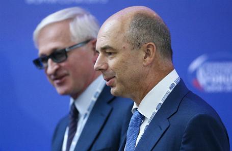 Министр финансов РФ Антон Силуанов и президент Российского союза промышленников и предпринимателей Александр Шохин (справа налево).