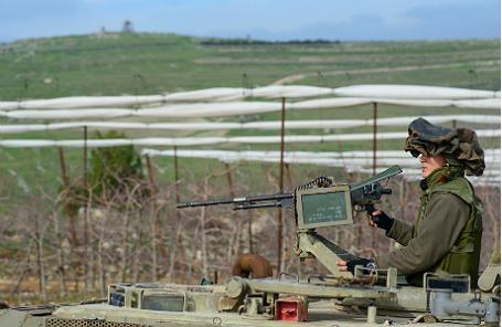 Военнослужащий израильской армии в районе Голанских высот.