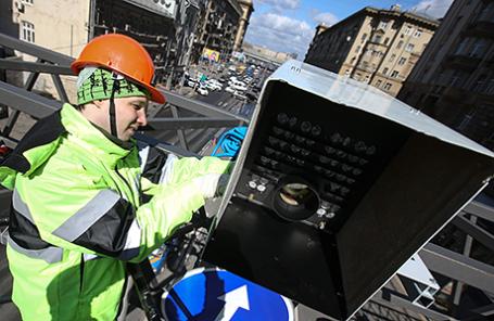 Установка камеры фотовидеофиксации нарушений правил дорожного движения.