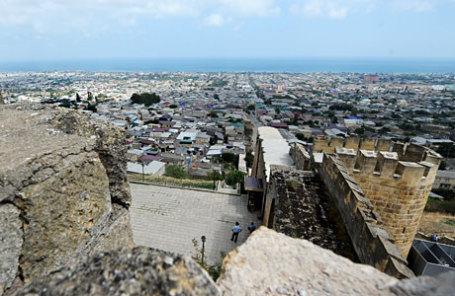 Вид на город Дербент.