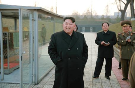 Лидер КНДР Ким Чен Ын провел инспекцию завода по модернизации вооружений в Пхеньяне
