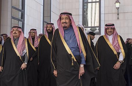 Король Саудовской Аравии Салман (на первом плане).