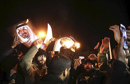 Демонстрация у посольства Саудовской Аравии в Тегеране, Иран.