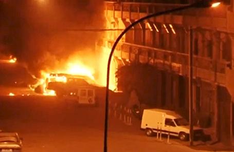 Пожар в отеле Splendid в Уагадугу, Буркина-Фасо, 15 января 2016.