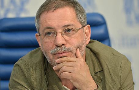 Михаил Леонтьев.