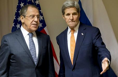 Глава МИД РФ Сергей Лавров и госсекретарь США Джон Керри на встрече в Цюрихе.