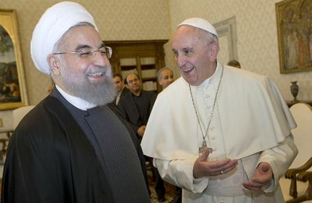Президент Ирана Хасан Роухани и Папа Римский Франциск на встрече в Ватикане 26 января 2015 года.