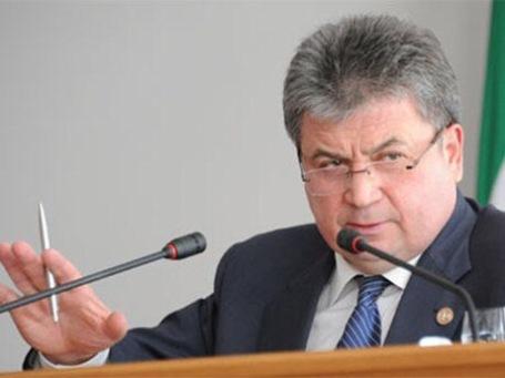Геннадий Емельянов