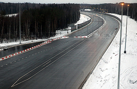 Участок платной дороги М-11 Москва - Санкт-Петербург.