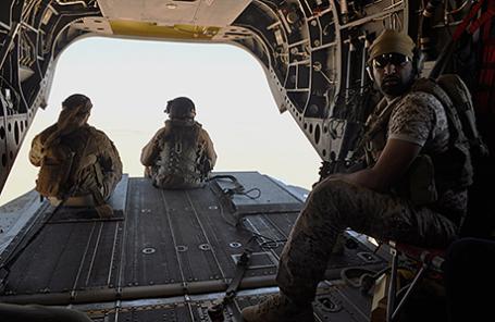 Бойцы Саудовской Аравии в самолете.