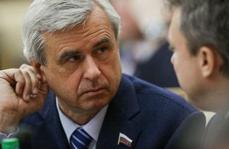 Первый заместитель председателя комитета Госдумы по конституционному законодательству и государственному строительству Вячеслав Лысаков.