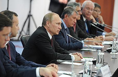Встреча президента РФ Владимира Путина с руководителями энергетических компаний.