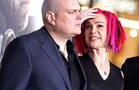 Энди и Лана Вачовски (слева направо), 2012 год.