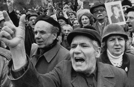 Демонстрация против референдума в Советском Союзе.