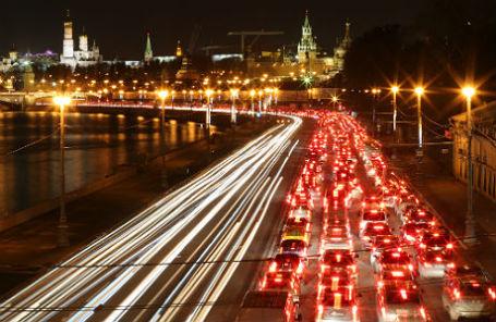 Пробка на Кремлевской набережной.