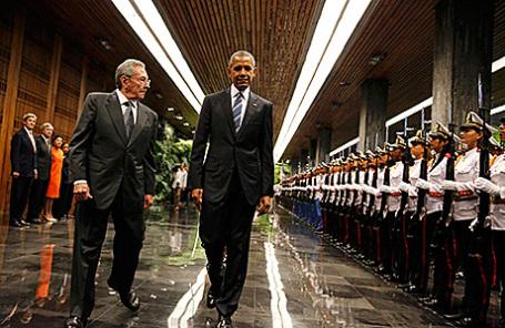 Президент Кубы Рауль Кастро и президент США Барак Обама (слева направо) в Гаване, Куба, 21 марта 2016.