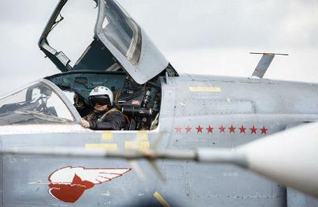 Российский пилот перед вылетом с авиабазы Хмеймим.