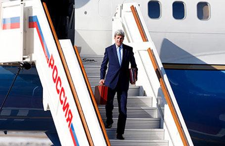 Госсекретарь США Джон Керри прилетел в Москву.