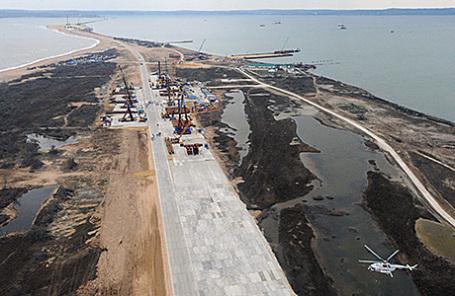Строительство транспортного перехода через Керченский пролив на острове Тузла.