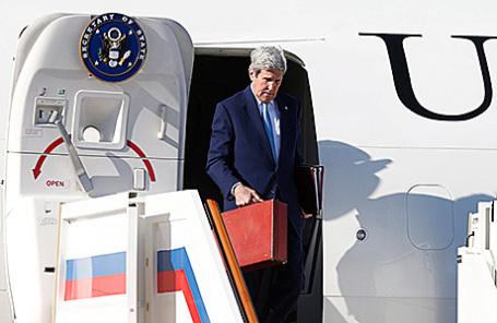 Госсекретарь США Джон Керри в аэропорту «Внуково», 23 марта 2016.