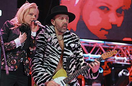 Лидер группы «Ленинград» Сергей Шнуров (Шнур) и бывшая вокалистка группы Алиса Вокс-Бурмистрова.
