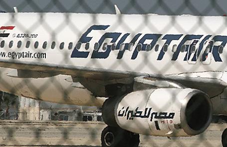 Угнанный самолет в аэропорту Ларнаки, Кипр.