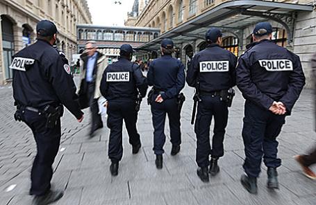 Полиция в Париже.