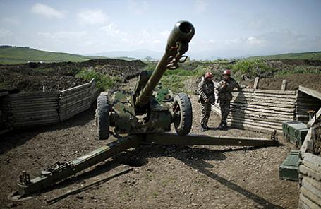 Армянские солдаты на позиции недалеко от Мартуни, Нагорный Карабах.