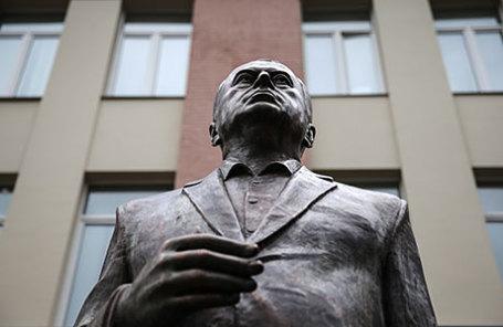 Трехметровая скульптура лидера ЛДПР Владимира Жириновского.