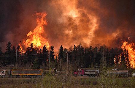 Пожар в Форте Макмюррей в Канаде.