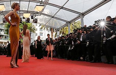 Красная дорожка на Каннском кинофестивале.