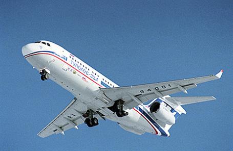 Авиалайнер Ту-334.