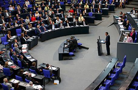Заседание Бундестага в Берлине, 2 июня 2016.