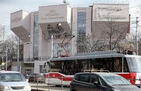 Здание Дома культуры имени Русакова, после реставрации передано Театру Романа Виктюка.