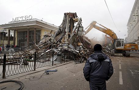 Снос торговых павильонов в Москве.