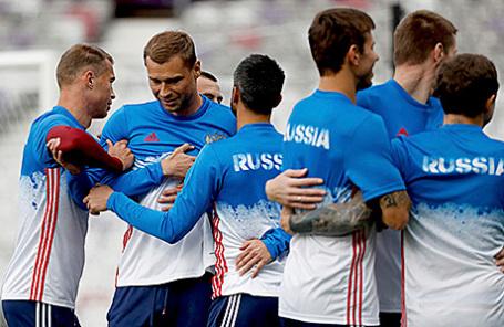 Сборная России по футболу на тренировке в Тулузе, Франция, 19 июня 2016.