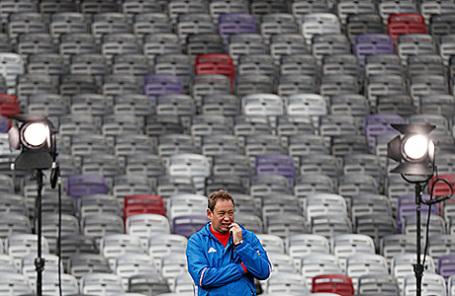 Леонид Слуцкий во время тренировки российской сборной в Тулузе, Франция.