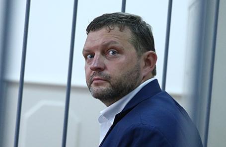 Губернатор Кировской области Никита Белых, задержанный при получении взятки в размере 400 тысяч евро в одном из ресторанов города, во время рассмотрения ходатайства следствия об избрании меры пресечения, 25 июня 2016.