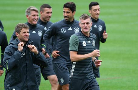 Тренировка сборной Германии по футболу.