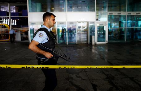 После теракта в аэропорту Стамбула.