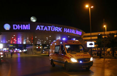 Аэропорт «Ататюрк» после теракта 29 июня.