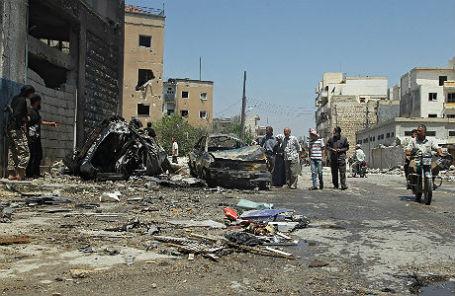 После воздушного удара в Идлибе.