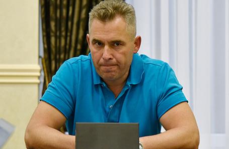 Уполномоченный при президенте РФ по правам ребенка Павел Астахов во время пресс-брифинга в Симферополе, 1 июля 2016.