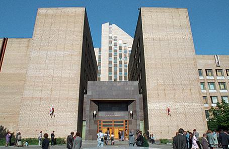 Здание Академии Федеральной службы безопасности (ФСБ) РФ в Москве.