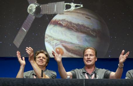 Американская автоматическая межпланетная станция «Юнона» вышла на орбиту Юпитера.