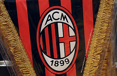 Логотип футбольного клуба «Милан».