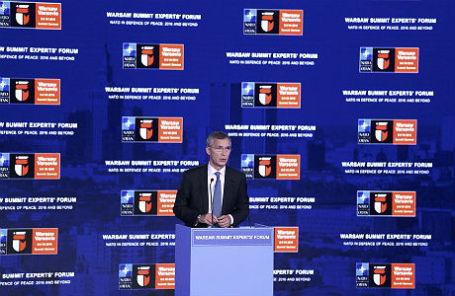 Генеральный секретарь НАТО Йенс Столтенберг на саммите НАТО в Варшаве.