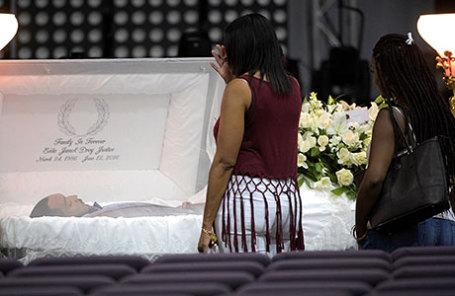 Похороны жертвы стрельбы в ночном клубе Pulse.