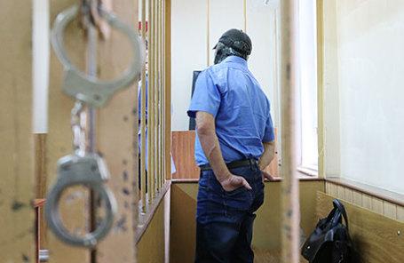 Заместитель начальника управления собственной безопасности Следственного комитета России Александр Ламонов, задержанный по подозрению в превышении должностных полномочий и получении взяток от представителей криминального сообщества, во время рассмотрения ходатайства об аресте в Лефортовском суде.